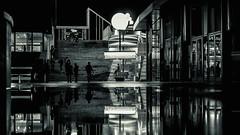 (Photo-LB) Tags: architecture nuit noir contraste sombre lumire light ombre reflet homme silhouette btiment reverbre streetphoto nikon d800 nikon58mm paris france europe reflection black building chapeau escalier