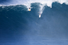 IMG_3480 copy (Aaron Lynton) Tags: surfing lyntonproductions canon 7d maui hawaii surf peahi jaws wsl big wave xxl