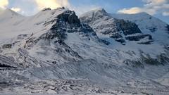 Icefields Parkway - Columbia Icefield (Mariko Ishikawa) Tags: canada alberta canadianrockies highway icefield glacier mountain