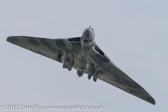 Vulcan over Farnborough (PriceyBoy2010) Tags: england hampshire vulcan farnborough xh558