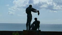 20150529 Rgen Prora Skulptur Sassnitz nach Garz (20) (j.ardin) Tags: sculpture statue germany deutschland skulptur balticsea escultura alemania rgen allemagne ostsee prora sportler knstlerjrgenrauhe