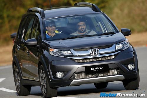 2016-Honda-BR-V-18