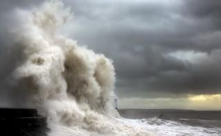 Storm Waves, Porthcawl Lighthouse