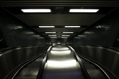 cu (SBW-Fotografie) Tags: canon dark underground essen escalator dunkel untergrund rolltreppe weitwinkel sbw 70d essenhbf canoneos70d canon70d sbwfoto sbwfotografie