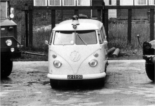 "22-23-DU Volkswagen Transporter Ambulance 1967 • <a style=""font-size:0.8em;"" href=""http://www.flickr.com/photos/33170035@N02/24072983125/"" target=""_blank"">View on Flickr</a>"
