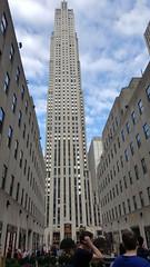 2016-10-19 - Rockefeller Center (zigwaffle) Tags: 2016 nyc newyorkcity manhattan timessquare rockefellercenter saintpatrickscathedral fifthavenue wretchedexcess centralpark