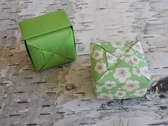 Puffy box - Ishibashi Minako (Chouett'origami) Tags: origami box bote ishibashiminako oru puffybox