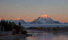 Alpenglow at Oxbow (s.r.lee) Tags: anniversarytrip fall grandtetonnationalpark oxbowbend snow sunrise