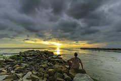 Greetings from Malindo Beach, Penang (<Pirate>) Tags: malindobeachsunsetnovember3rd2016 sunset pantaimalindo kuala sungai burung balik pulau penang low tide lee gnd hard6 1018 is stm alone beach rocks landscape seascape fisherman village stables love nature panorama scenery