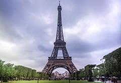 Eiffel tower (obilgili) Tags: paris france tower architecture frankreich outdoor eiffeltower olympus eiffel eiffelturm mimari kule fransa irontower em10 yap francja cityicon wieaeiffla olympusem10 metalkule olympusm1240