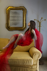 VeronicaIudiciPP04 (Biroin) Tags: home project photography model loneliness personal levitation fotografia interno solitudine personale progetto modella levitazione