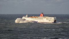Stena Europe 7 (Head On) (K_D_B (One Eye On The Sky)) Tags: weather ferry canon stormy diving gales rough lifting fishguard kdb heaving stenaeurope 7dmkii tamronsp150600mmf563divcusda011 fishguardtorosslare