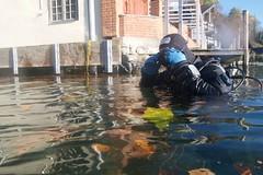 Ab geht's! (habi) Tags: diving hausriff renzo thunersee