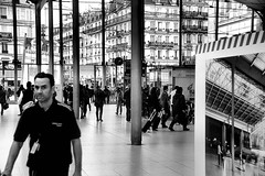 Gare du Nord (EmperorNorton47) Tags: garedunord pariis iledefrance france photo digital autumn fall interior strangers railroadstation trainstation windows crowd