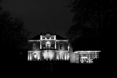 Airborne museum (edwin van buuringen) Tags: bw museum night blackwhite airborne hdr oosterbeek dynamicphotohdr sonyslt77v