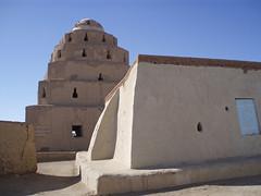 Sufi mosque in Kweka (nubianimage) Tags: nubia nubianimagearchive kweka sudan religion mosque islam sufi pyramid sheikh mudbrick qubba