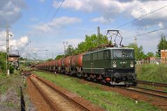 142 001 Leipzig-Leutzsch 10.5.2005 (Zugbild) Tags: eisenbahn train zug bahn elok br142 br242 holzroller dr leipzig leutzsch sachsen kesselzug