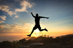 The great leap forward (Pat Charles) Tags: sanfrancisco california unitedstates usa america travel tourism sunset evening dusk coast beach outdoor outside marin county headlands jump leap hop skip fly silhouette contrejour nikon tripod spring bound self selfie