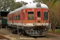 NSWGR DEB cars (Aussie foamer) Tags: 900950class railcar pf906 debrailcar nswgr newsouthwalesgovernmentrailways sra staterailauthorityofnewsouthwales cityrail preserved lvr lachlanvalleyrailway cowra newsouthwales train railway hpf959