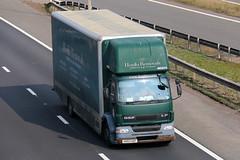 HX03UGF - Hoults Removals (Pickfords) (TT TRUCK PHOTOS) Tags: m5 strensham tt da removals pickfords hoult