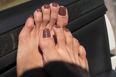 Dea (IPMT) Tags: toenail sexy toes polish foot feet pedicure painted toenails pedi zoya barefoot barefeet descalza warm milky light brown nude creme natural cafe