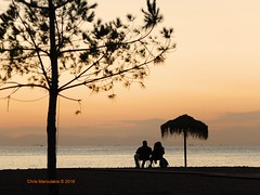 Romance  DSCF3484 (Chris Maroulakis) Tags: attica athens glyfada beach sea sunset couple romance love chris maroulakis 2016 fujifilmx30