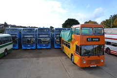 Blue Vectis 1519 HW62CCD - 1516 HW62CZO - 1513 HW62CXK - 1517 HW62CZY - Southern Vectis 681 FDL681V (Will Swain) Tags: 14th october 2016 beer walks weekend south southern town centre heritage preserved sun sunny ryde bus buses transport travel uk britain vehicle vehicles county country england english blue vectis 1519 hw62ccd 1516 hw62czo 1513 hw62cxk 1517 hw62czy 681 fdl681v