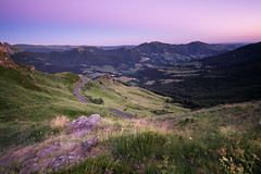 La route des Monts du Cantal (Thomas Vanderheyden) Tags: cantal ciel colors coucherdesoleil couleur france fujifilm landscape light lumiere montagne mountain nature paysage roc roche samyang12mm sky sunset thomasvanderheyden xt1