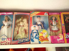 2016-12-04_02-08-37 (Lukas_Von_Incher) Tags: barbie country bride crystal 80s doll snow princess sindy holiday treats spanish