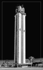 The Lake Placid Tower, 461 US Highway 27 N,  Lake Placid, U.S.A. / Architect: A. Wyatt Howell / Completed: 1960 (Jorge Marco Molina) Tags: sunshinestate happinesstower thelakeplacidtower 461ushighway27n lakeplacid usa awyatthowell 1960 highlandscounty urban structure architecture