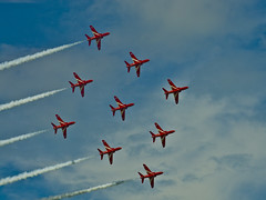 Diamond (john from Canterbury) Tags: sky flying display hawk aircraft jet fast formation airshow planes reds redarrows highspeed airdisplay thrilling rafredarrows hernebayairshow amyjohnsonairshow
