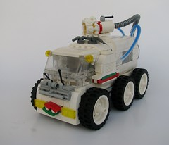 Water Vacuum (gid617) Tags: white car suck lego top bottom wheels vacuum tires underside vehicle gulp vroom octan