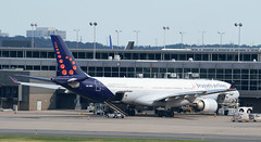Brussels A330-300 (OO-SFO) KIAD (hsckcwong) Tags: kiad a330300 brusselsairlines oosfo