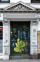 Streetart Miscellaneous 1930 (cmdpirx) Tags: street urban color colour art public cutout painting fun graffiti chalk nikon paint artist 7100 quote d space raum kunst strasse tag hamburg humor can brush spray crew marker hh aerosol tagging farbe spruch kreide ffentlicher kuenstler