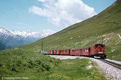 Furka Oberalp HGe 4/4 37 zwischen Ntschen und dem Oberalppass, 11.07.1974 (Tramfan2011) Tags: schweiz swiss berge fo mgb oberalp furka zahnradbahn furkaoberalp