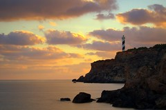 Portinax. Explore (eddieELM) Tags: picasa lighthouse ibiza portinax portinaxlighthouse evissa dawn sunrise clouds sea explore eddieelm canon eos600d rebelt3i kissx5 70200 leelittlestopper leefilters neutraldensity 6stopfilter spain espana coast rocks whiteisle