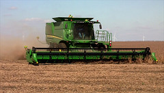 Goken Farms - John Deere  S670 Combine (basicbill) Tags: farmer agriculture machinery harvest equipment field fields corn soybeans illinois wwwbasicbillcom