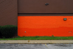 Indy#15175_Copy (Single-Tooth Productions) Tags: exteriorwall composition colorcomposition shapes lines colorblocks 2d flat architecturalminimalism minimalistic orange orangeandgreen architecture architecturaldetail ewashingtonst indianapolis indiana urban city building buildingdetail buildingcomposition 50mm nikkor nikkor50mm nikond200 nikon