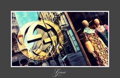Gucci - Wien (hellwi) Tags: mode wien sterreich fashion gucci kleider hte schaufensterpuppe damen hats ladies clothes schaufenster reflections spiegelungen city laden shop exclusiv tiffany