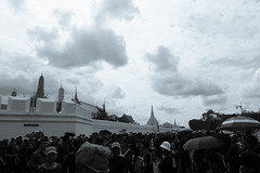 DSCF3249 (mesodiarDA) Tags: thailand king people street temple