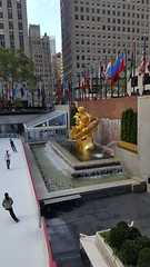 2016-10-19 - Rockefeller Center - Prometheus (zigwaffle) Tags: 2016 nyc newyorkcity manhattan timessquare rockefellercenter saintpatrickscathedral fifthavenue wretchedexcess centralpark