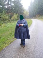 RainMac--blau-IMGP0107 (Umhaenge2010) Tags: cape cloak cloack umhang regenumhang raincape capeimpermable