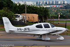 PR-JFR (Thiago Pereira Machado) Tags: bsb aviacaobsb brasilia planespotting prjfr cirrus sr22