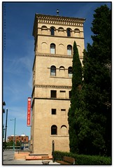 Torren de la Zuda, Zaragoza (Jessur gustson) Tags: elsenyordelsbertins canon eos20d tamron18200 espanya espaa spain arago aragon zaragoza saragossa mudejar torre tower