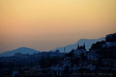 Crepsculo Andaluz / Andalucian Twilight (suominensde) Tags: peace paz serene nikond5300 puestadelsol andaluca spain andalucia espaa montaas mountains outdoor sky cielo glow resplandor sunset twilight crepsculo landscape night noche pueblo village tree madera houses casas casa house