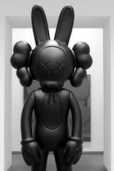Bunny (dangr.dave) Tags: fortworth tx texas cowtown tarrantcounty panthercity downtown kaws wheretheendbegins museumofmodernart modernartmuseum moma bunny bunnyears statue