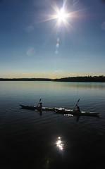 IMG_7977-1 (Andre56154) Tags: schweden sweden sverige wasser water see lake ufer himmel sky sonne sun rudern kajak boot boat