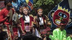IMG_6065 (kayreal) Tags: girls woman girl beauty festival indonesia women traditionalart indah asiangirl wanita 2015 cantik blora agustusan gadis cewek indonesiangirl demosntrasi pertunjukan barongan beautufiul senitradisional khairiladi festivalbarongan sma1blora smktunjungan