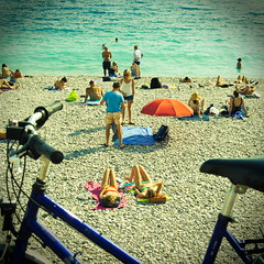 French Riviera beach in september. (Chris, photographe de Nice (French Riviera)) Tags: sea beach vintage square lomography streetphotography carr squarephotography