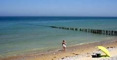 kijk hoeveel water mama . (roberke) Tags: sea sky seascape france nature water landscape natuur zee frankrijk lucht kust wavebreaker golfbreker persoon opaalkust